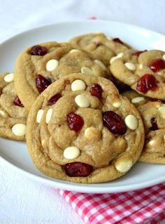 Les meilleurs cookies au chocolat blanc et aux canneberges   Del's cooking twist