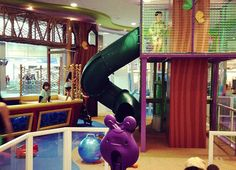 At a loss for what to do when the LA weather calls for indoor play?  Armed with this list of super indoor play spots, you're ready to combat the cooped-up crazies.