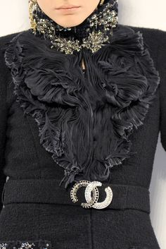 Chanel. Exquisite detail. Beautiful!