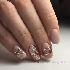 Glitter striped nails