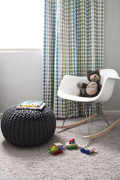 Pouf tricoté tout doux, idéal pour les chambres de bébé