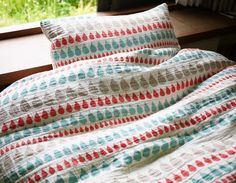 perfect for rainy days in bed: and my favourite colour combo too!