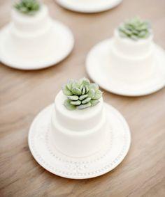 Love the idea of mini wedding cakes #cake #wedding #mini