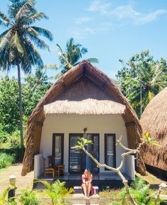 Tropical paradise Bintang Bungalows - the best hotel on Nusa Penida, Indonesia Bungalow Hotel, Bungalow Resorts, Cabana, Bamboo House Design, Hut House, Farm Stay, Beach Bungalows, Beach Shack, Natural Building