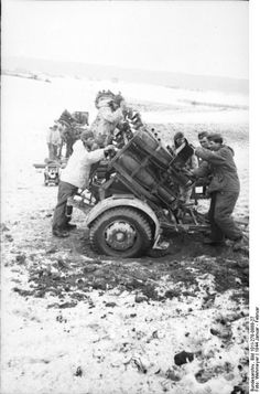 German cm Nebelwerfer 41 (rockets), in Russia, January Ww2 Weapons, Ww2 Photos, Ww2 Tanks, Military Equipment, German Army, Panzer, Armored Vehicles, Military History, World War Two