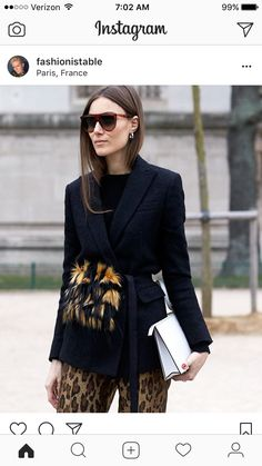 Activewear Objective Victoria's Secret Sweatshirt Women's Size Large Ordered Online Didn't Fit.