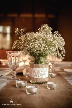 70 Sackleinen Hochzeitsideen, um ein warmes rustikales Gefühl zu bringen # You are in the right place about wedding decor 2019 Here we offer you the most beautiful pictures about the pakistani wedding Chic Wedding, Wedding Table, Our Wedding, Dream Wedding, Trendy Wedding, Wedding Ideas, Wedding Bride, Wedding Rustic, Wedding Country