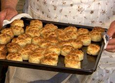 Hajdinás pogácsa | Gasztroangyal Scones, Biscuits, Paleo, Angel, Cookies, Angels, Cookie, Biscuit, Buns