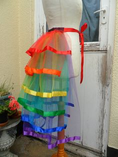 A rainbow bustle trimmed with ribbon. The bustle has 6 tiers and is on a ribbon . Burlesque Costumes, Dance Costumes, Festival Outfits, Festival Fashion, Diy Fashion, Fashion Show, Gothic Fashion, Rainbow Costumes, Costume Carnaval