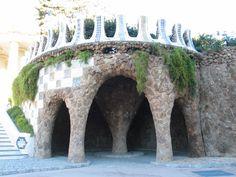 Park Güell recreación de la cripta de sant Pere de Rodes.