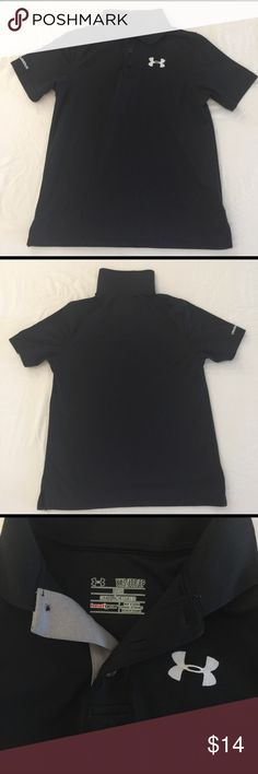 Under Armour Youth XS Preowned in excellent condition. Under Armour Youth XS Loose shirt. Black. Heatgear. 95% polyester 5% elastane Under Armour Shirts & Tops Tees - Short Sleeve