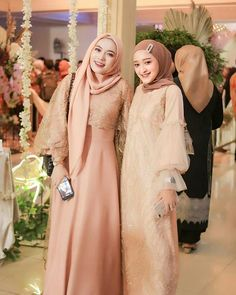 Kebaya Hijab, Kebaya Muslim, Bridesmaid Outfit, Ootd Hijab, The Dress, Hijab Fashion, Wedding Planner, Dream Wedding, Wedding Dresses