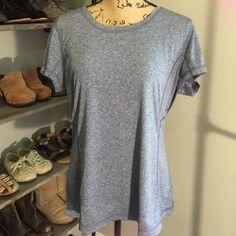 TEMP👎Tek Gear drytek athletic shirt Tell Gear drytek athletic shirt- size XL- 100% polyester- rarely worn- fabulous condition! Tek Gear Tops