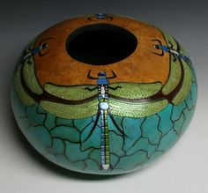 Denise Meyers Handbags Evening Bags and Decorative Boxes Gourd_Art Decorative Gourds, Hand Painted Gourds, Decorative Boxes, Art Projects, Projects To Try, Gourds Birdhouse, Birdhouses, First Home Gifts, Sculptures Céramiques