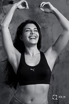 Jacqueline Fernandez Hot & Sexy Shoot For Puma. Indian Actress Hot Pics, Indian Bollywood Actress, Bollywood Girls, Beautiful Bollywood Actress, Most Beautiful Indian Actress, Beautiful Actresses, Bollywood Fashion, Bollywood Bikini, Bollywood Saree