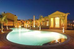 HOTEL | FIM DE ANO PRAIA DA LUZ Excelente oportunidade para passar o fim de ano no Algarve! Reveillon nos apartamentos Baia da Luz 4*, em Lagos, por apenas 29€ para 2 pessoas. 45€ para 4 pessoas.