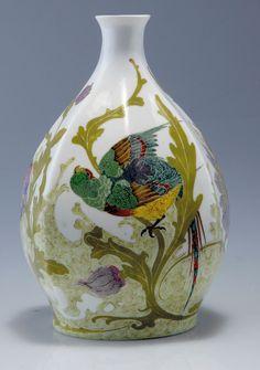 "Rozenburg, Den Haag, ""Eggshell"" Porcelain vase, painted by Hartgring, Willem. Porcelain Jewelry, Fine Porcelain, Porcelain Ceramics, Ceramic Pottery, Pottery Art, Japanese Porcelain, China Art, China Painting, Antique China"