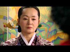 """5分でわかる「太陽を抱く月」~第4回 愛の行方~ 韓国で視聴率46%を記録した超話題作!ベストセラー小説が原作の""""ファンタジー・ロマンス史劇""""。舞台は朝鮮王朝の架空の時代。史実に縛られずロマンスや陰謀をドラマチックに描く!  うっかり見逃した、もう一度みたい・・・そんなあなたはこの5分ダイジェスト版をチェック!    第4回「愛の行方」   フォンの妃(きさき)選び開始が決定した日。フォンとヨヌはついに再会し、互いにひかれあう気持ちを確認する。  大妃(テビ)はポギョンを妃候補に内定させようと画策。フォンは、父王、成祖(ソンジョ)に内定の撤回を願い出る。  第4回を5分のダイジェスト版でご紹介!  NHK BSプレミアム 毎週日曜 夜9時~ (C)2012 MBC    番組HPはこちら「http://www.nhk.or.jp/kaigai/taiyou/」"""