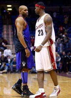 Vince And Bron Exchange Pleasantries 04 Basketball Players Nba Sports Basketball Lebron James
