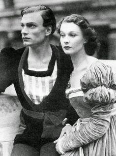 Laurence Olivier and Vivien Leigh in Elsinore, Denmark (1937)