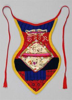 Algibeira made from scraps, Outeiro-Viana do Castelo Folk Dance, Arte Popular, Folk Costume, Minho, Portuguese, Outlander, Vintage Posters, Arts And Crafts, One Piece