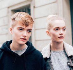 Ruth et May Bell après le défilé Dior