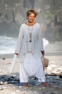 AMALTHEE CREATIONS loose fit jersey tunic with white #harem_pants #white  #coastal_living