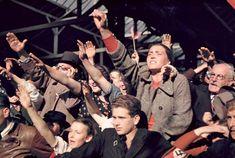 Austriacos saludan a las tropas alemanas, 1938