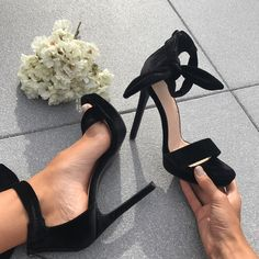 Escarpins velour noir Knee High Boots, Ankle Boots, Sandals, Heels, Slipper Socks, Pumps, Black People