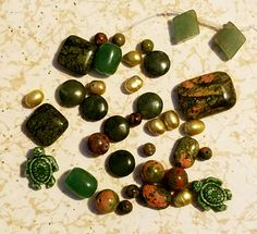 More gemstones, and look at the little turtles! There just may be several projects with all of the treasures I received! Turtles, Soup, Gemstones, Beads, Party, Projects, Blog, O Beads, Bead