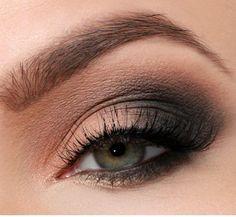 Smokey Eyes Peach Anthracite Lidschatten Green Eyes – … - Prom Makeup Looks Hazel Eye Makeup, No Eyeliner Makeup, Blue Eye Makeup, Eye Makeup Tips, Makeup For Brown Eyes, Smokey Eye Makeup, Makeup Ideas, Prom Makeup, Beauty Makeup