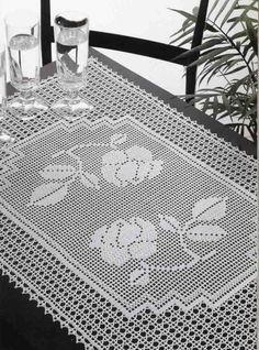 Kira scheme crochet: Scheme crochet no. Crochet Bedspread Pattern, Crochet Doily Patterns, Tapestry Crochet, Crochet Motif, Crochet Designs, Crochet Doilies, Crochet Table Runner, Crochet Tablecloth, Crochet Carpet