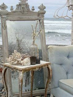 coastal shabby chic decor | shabby chic beach decor | Vintage living