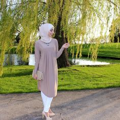 ✨Blogged✨ check out this outfit on the blog www.thejaysisters.com {link in bio} from @ilovemodesty_ for more details!
