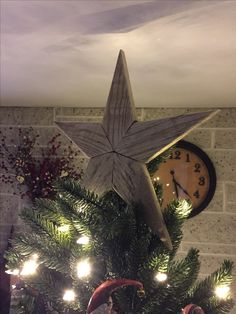 A 'natural' star made for the Christmas tree.
