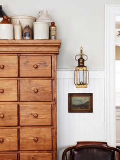 Accentuate the architecture by using simple molding or trim to draw attention to existing features, such as a high ceiling, or an attractive view from a window. Beaded board paneling adds timeless appeal. Or dress up a ceiling-mounted light fixture with a medallion for a traditional, elegant look.