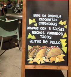 Algunas Tapas del BANG BANG en BARCELONA, también con servicio de comida a domicilio Empanadas, Nachos, Bang Bang, Tapas, Chalkboard, Barcelona, Decor, Onion Rings, Chicken Wings