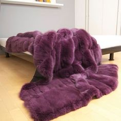 Fox fur blanket Purple Love, All Things Purple, Bedroom Sets, Bedroom Decor, Bedrooms, Fur Decor, Fur Bedding, Fur Blanket, Purple Throw Blanket