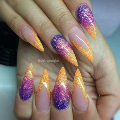 """#glitter #nails #orangenails #neonail Kochamy kontrasty na paznokciach! Błyszczące pyłki, brokaty i pigmenty znajdziesz tylko na <a href=""""https://www.neonail.pl/katalog/zele-hybrydowe-uv/?utm_source=social&utm_medium=pinterest"""">WWW.NEONAIL.PL</a>"""