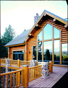 Daylight Delight! Natural light is a log home's best friend.