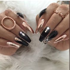 and nails create a beautiful design! Design by … and nails create a beautiful design! Black Nail Designs, Beautiful Nail Designs, Nail Art Designs, Glam Nails, Matte Nails, Beauty Nails, Ongles Bling Bling, Bling Nails, Gold Acrylic Nails