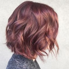 Long Shaggy Bob - Brown Ombre Hair Solutions for Any Taste - The Trending Hairstyle Brown Hair Shades, Brown Ombre Hair, Brown Blonde Hair, Brown Hair Colors, Brunette Hair, Auburn Balayage, Balayage Hair, Rose Gold Short Hair, Cabelo Rose Gold