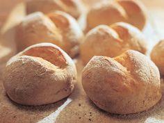 Rukiiset sämpylät My Favorite Food, Favorite Recipes, My Favorite Things, Finnish Recipes, Daily Bread, Bread Baking, Bakery, Vegan Recipes, Dishes