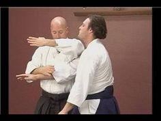 Ryotedori Waza: Intermediate Aikido Techniques : Sayunage from Ryotedori Israeli Self Defense, Israeli Krav Maga, Krav Maga Techniques, Krav Maga Self Defense, Learn Krav Maga, Mixed Martial Arts, Dojo, Tai Chi, Jiu Jitsu