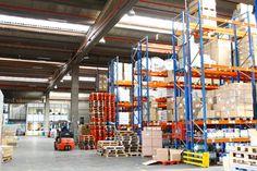 Como operador logístico en Barcelona, le ofrecemos un servicio integral para el transporte de sus mercancías. Entre e infórmese.