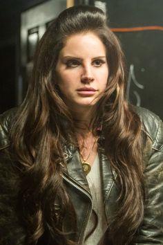 Hot Or Not? Lana Del Rey's Mini Bouffant. #hotornot #celeb #lanadelrey http://buzznet.com/~65b207e