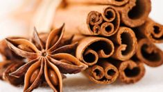 Cinnamon and star anise - placed on tables for a delicate aroma Health And Nutrition, Health Tips, Health And Wellness, Cinnamon Health Benefits, Vegetable Stew, Star Anise, Bowl Fillers, Food Facts, Simple Pleasures