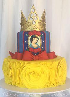 Snow White Birthday Cake... https://www.facebook.com/Chacescakes