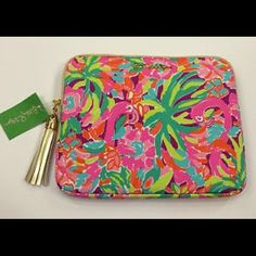 LILLY PULITZER IPAD CASE EUC, iPad case. Fits any iPad/tablet. Lilly Pulitzer Accessories Tablet Cases