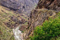 15542624963-dangerous-mountain-road-vertical-cliff-india.jpg (800×532)